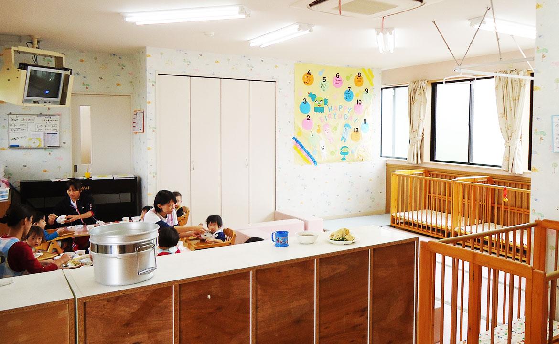 012歳児保育室02